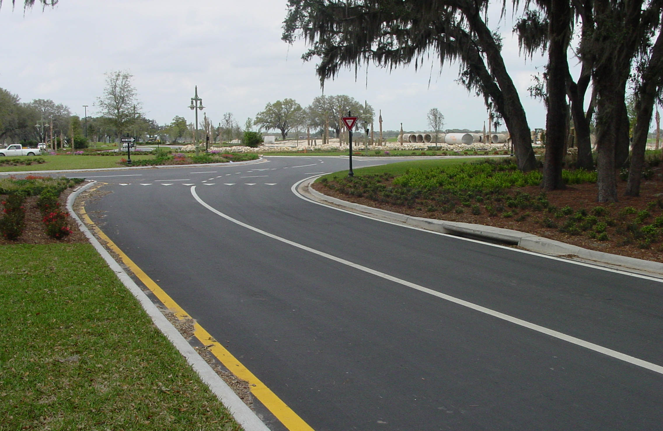 concrete curbing, pre-cast curbing, decorative curbing, decorative concrete, building contractor, Central Florida, residential contractor, residential builder, commercial contractors, commercial builder, commercial building, home builder